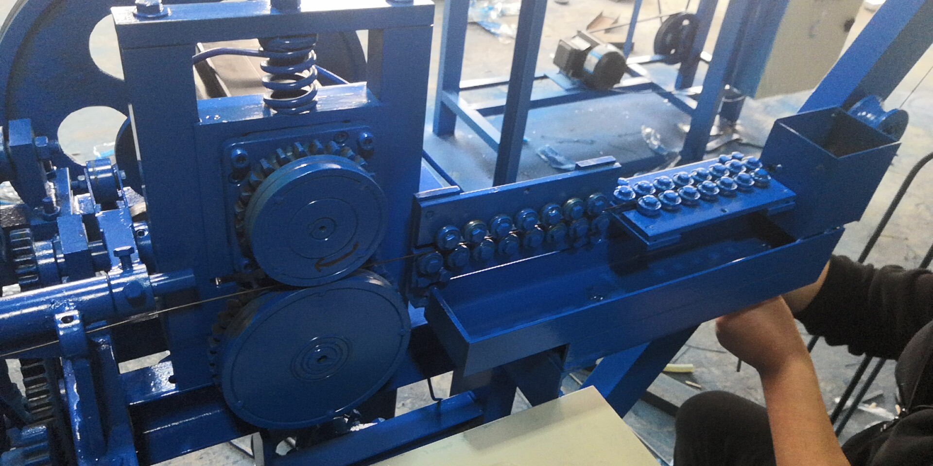 Loop tie wire machine manufacturer